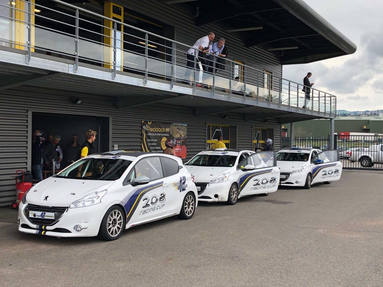 Peugeot 208 racing cup extérieur